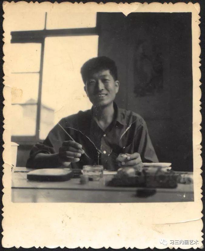 冀派內畫泰斗鼻煙壺內畫大師王習三 - 1972年,王习三在阜城综合厂内画车间
