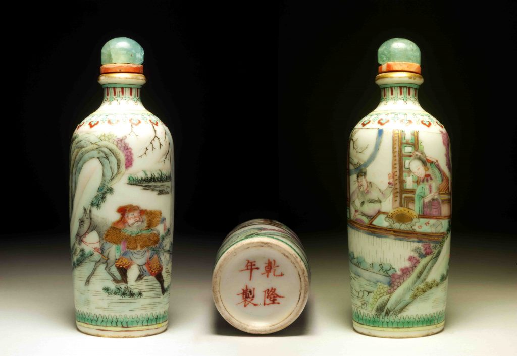 嘉庆道光瓷胎粉彩風塵三俠鼻烟壶 | Enameled Procelain Three Heroes Snuff Bottles | 治潁珍藏 | ZhiYing Collection